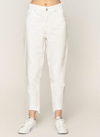 Loves You U Püskül Paça Yüksek Bel Mom Jean Pantolon Beyaz